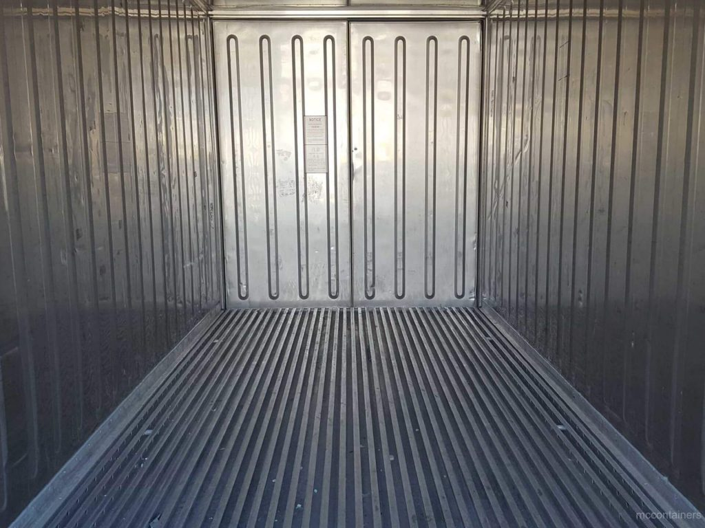 internal view of Insulated Shipping Containers