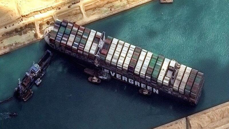 Suez Canal Ship Block Canal